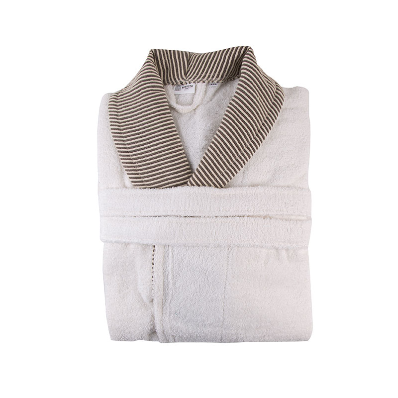 Boucle Contrast Model Bathrobe