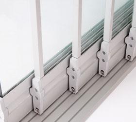 Раздвижной стеклянный балкон