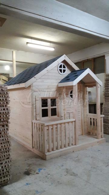 Ahşap çocuk oyun evi
