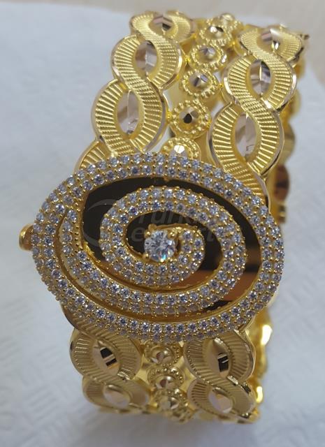 Gold Locked Bracelet