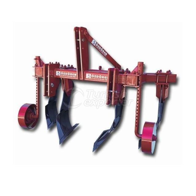 Curved Blade Subsoiler