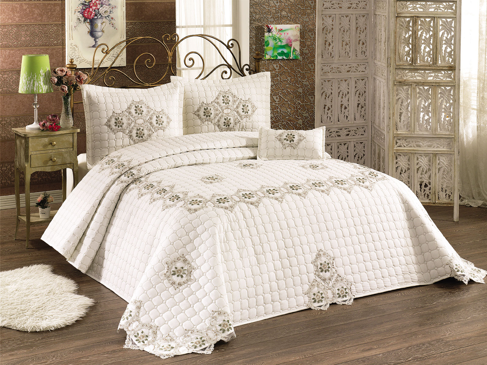 Quilted Bedspread Set