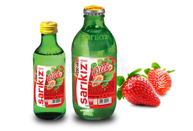 Eau minérale aromatisée à la fraise