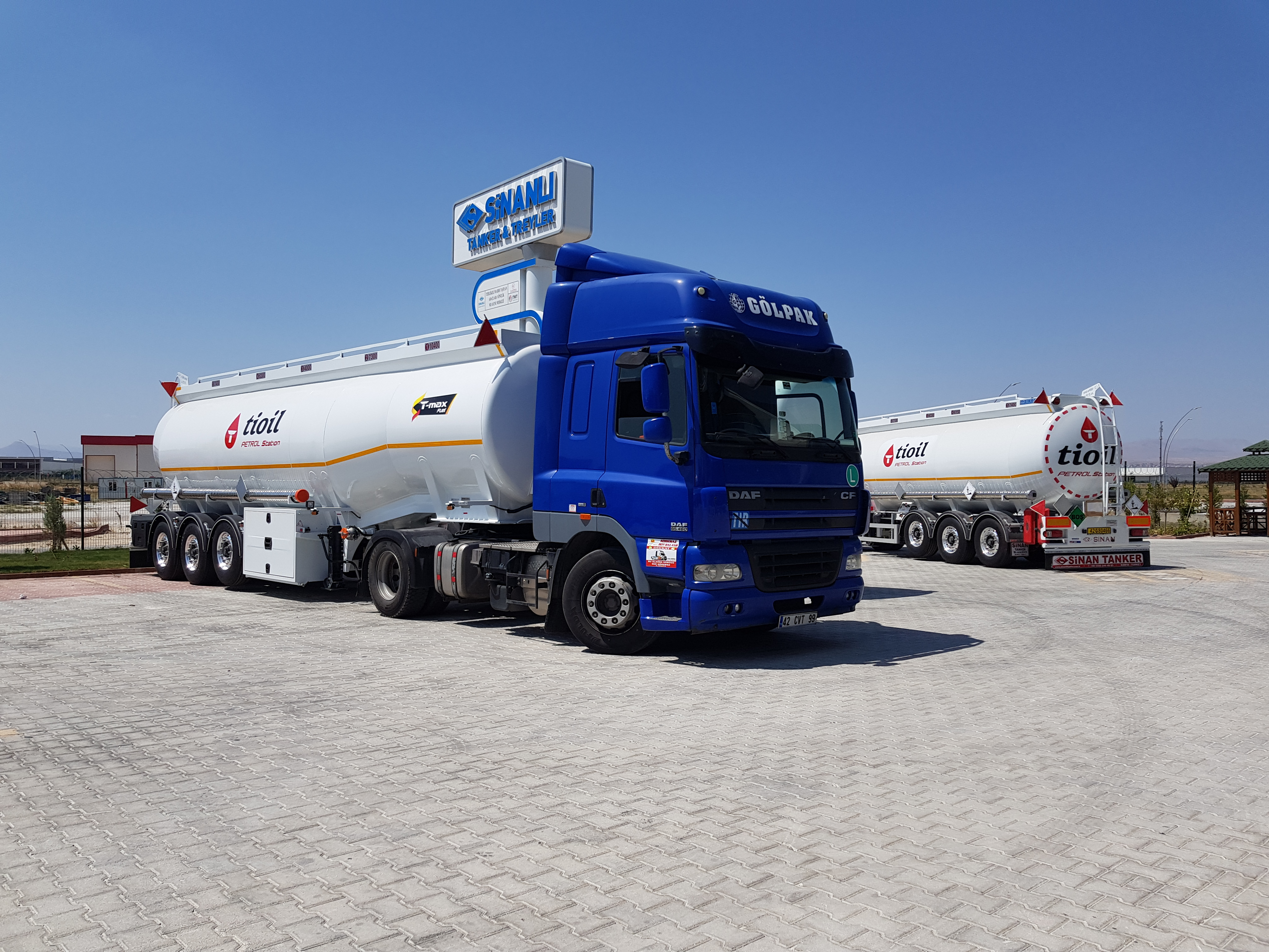 Fuel Tanker Aluminium