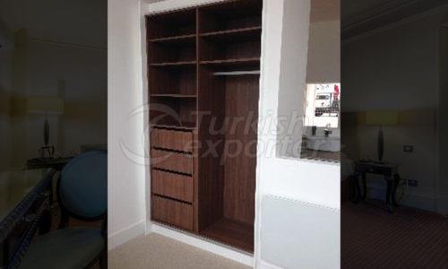 خزانة الثياب