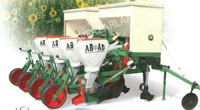 pneumatic seed drill