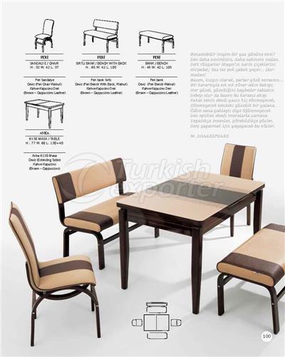 Sandalyeler Peri